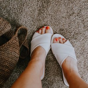 • Everlane • The Day Crossover Sandals in White